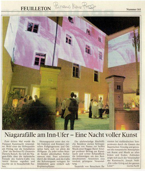 Daniela Butsch, flow projiziert auf das Galerie-Café Astrid Störzer während der Passauer Kunstnacht.
